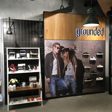 Grounded in-store display