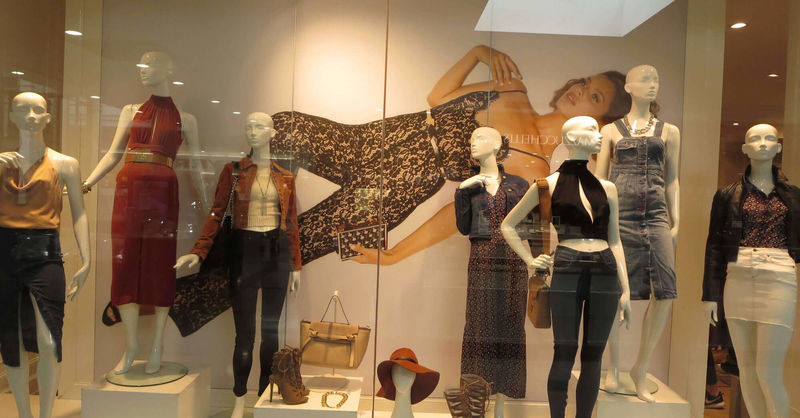 3 visual merchandising tips to increase your store traffic
